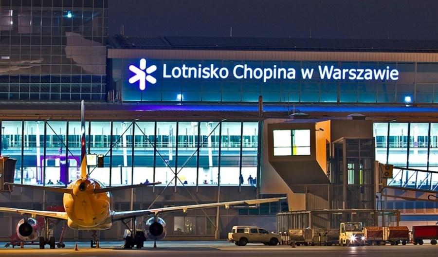 Lotnisko Chopina promuje szczepienia na COVID-19. Akcja #ZDROWYodRUCH
