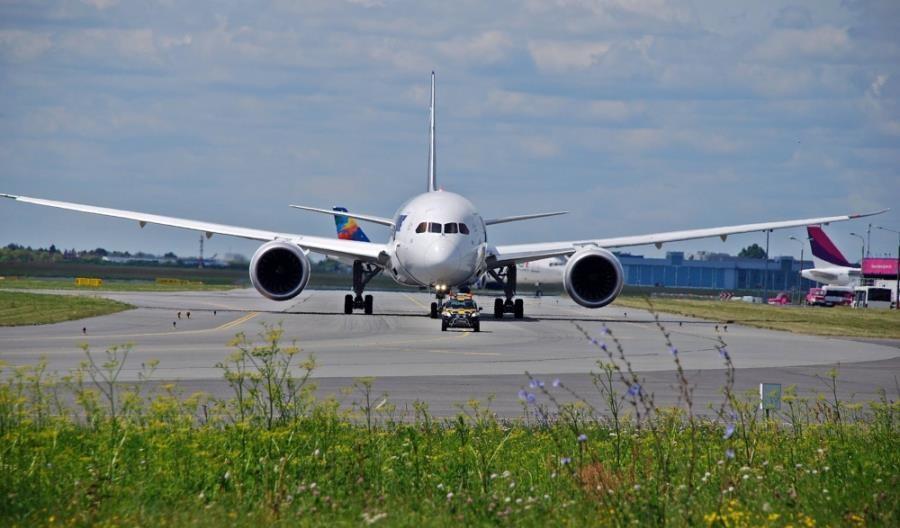 """NIK skontroluje spółkę CPK i lotnisko w Radomiu. """"Wątpliwe wydatki"""""""