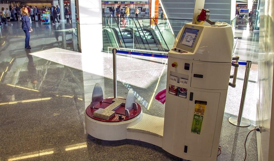 Nowy punkt foliowania na Lotnisku Chopina w Warszawie