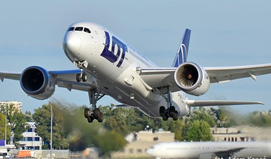 LOT: Dreamlinerem do Grecji