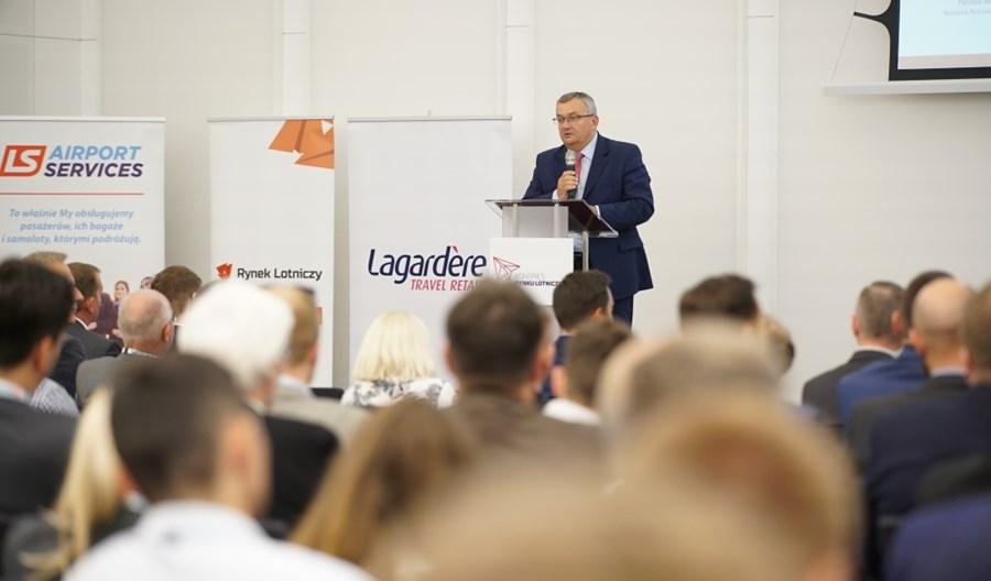 W Warszawie ruszył Kongres Rynku Lotniczego. Otworzył go Andrzej Adamczyk
