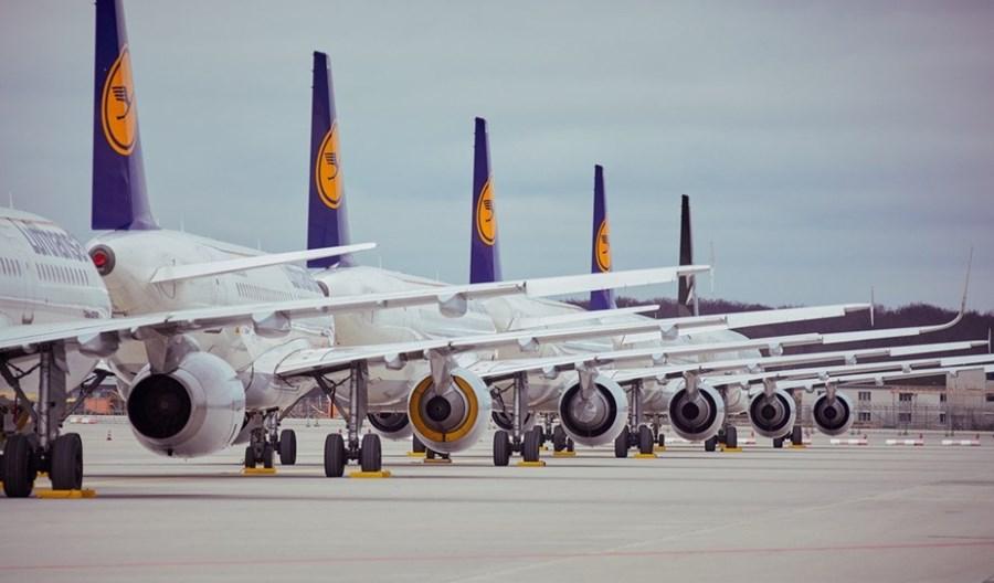 Koronawirus: Lotniska jak parkingi. Dla uziemionych samolotów brakuje miejsc