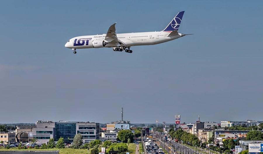 LOT: Dreamlinery wylądują w najtrudniejszych warunkach pogodowych