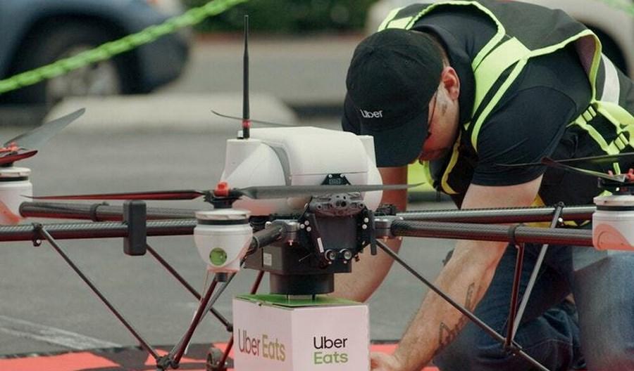 Drony dostarczają paczki klientom w Wielkiej Brytanii. W Polsce będzie trudno to wdrożyć