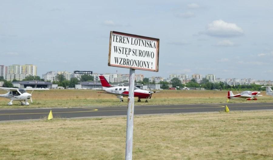 """Prokuratura sprawdza lotnisko Bemowo. """"Chińska tortura, a najgorsze są weekendy"""""""