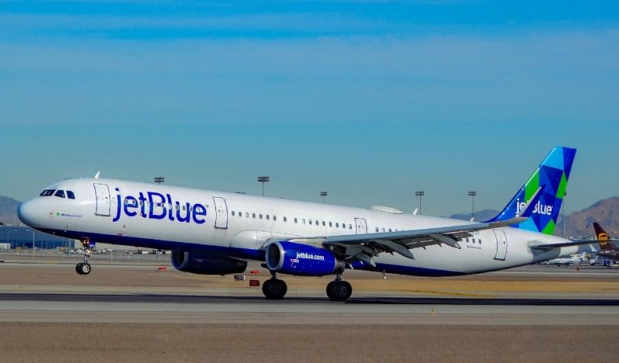 JetBlue z wymogiem osłon na twarz dla pasażerów