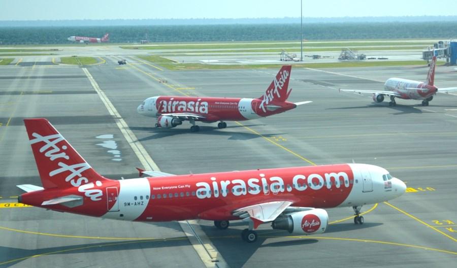 AirAsia obniżyła wynagrodzenia, ale nie zamierza zwalniać