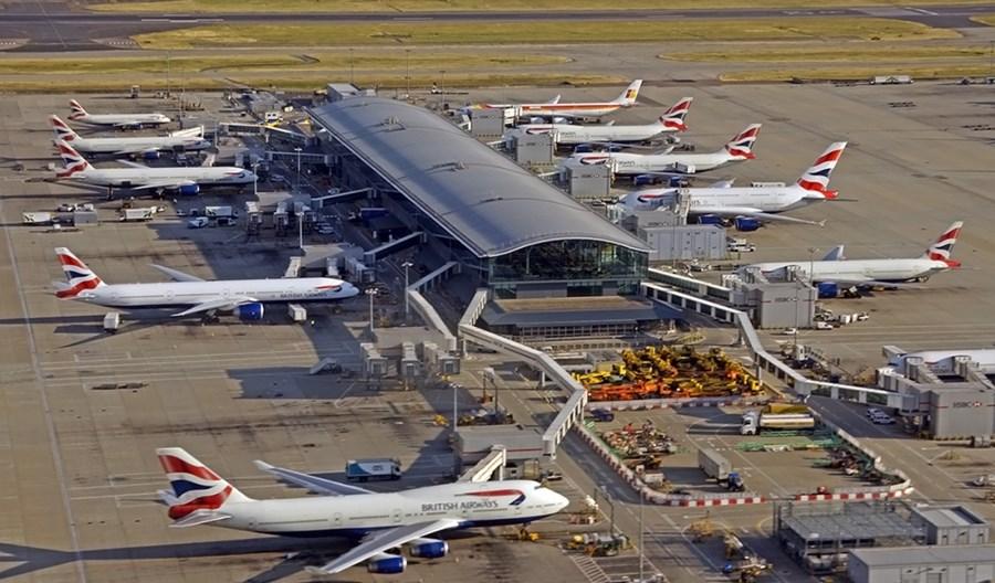 """Heathrow straciło """"tylko"""" połowę pasażerów"""