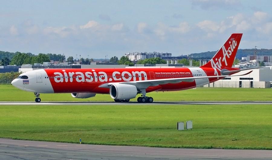Koniec taniego latania w Azji? Zawieszono obrót akcjami grupy AirAsia