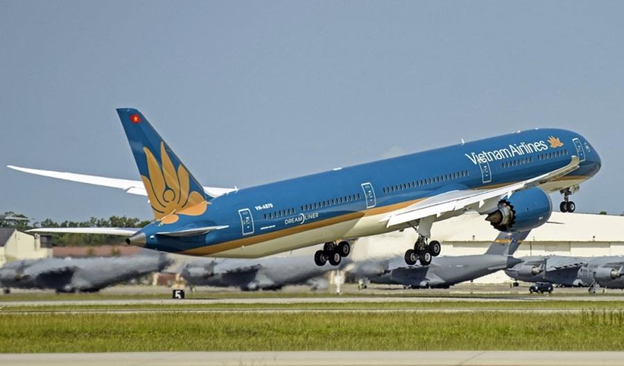 Z Los Angeles do Sajgonu i Bangkoku, z Paryża do Sydney. Pasażerów nie brakuje, ale czy warto latać bezpośrednio?