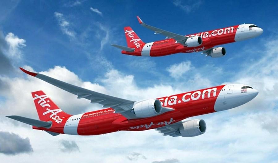 Bardziej i mniej szczodrzy prezesi linii lotniczych. Różna skala poświęcenia