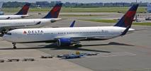 Delta Air Lines blokują środkowe miejsca w samolotach aż do kwietnia