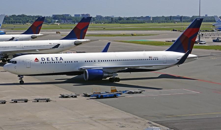 Delta Air Lines zmniejsza liczbę lotów o 40 proc.