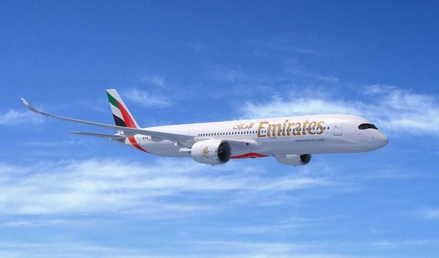 Emirates zawieszają większość lotów i redukują wynagrodzenia