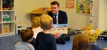Z Kicią Kocią i Mądrą Myszą na lotnisku, czyli Pracownicy LS czytają dzieciom!