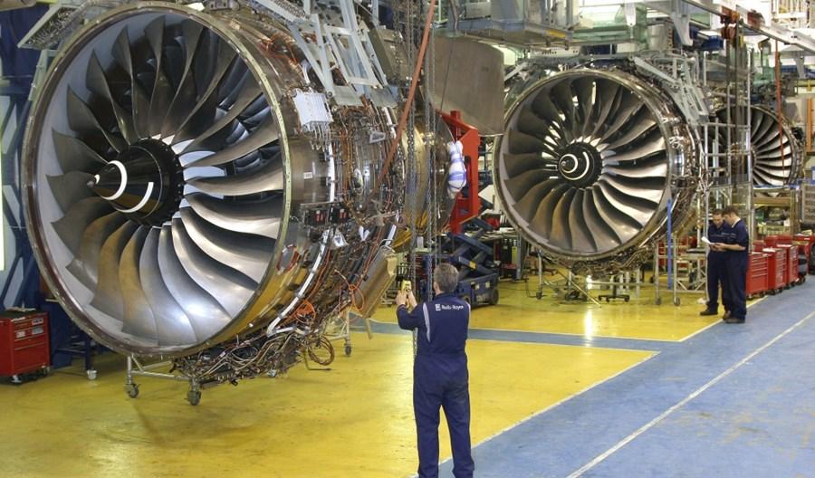 Koronawirus. Rolls-Royce zwolni 8 tysięcy pracowników