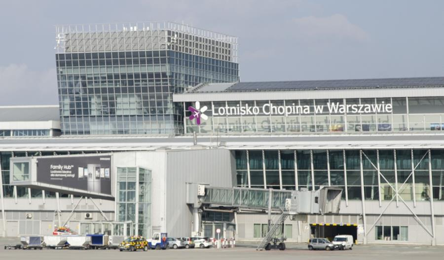 Duże tygodniowe spadki ruchu lotniczego w Polsce