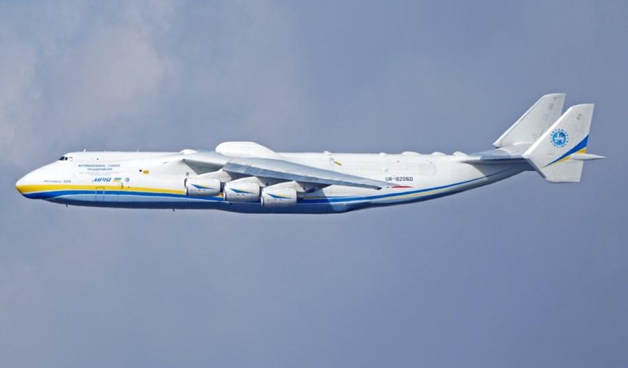 An-225 dostarczył 10 mln maseczek do Saksonii