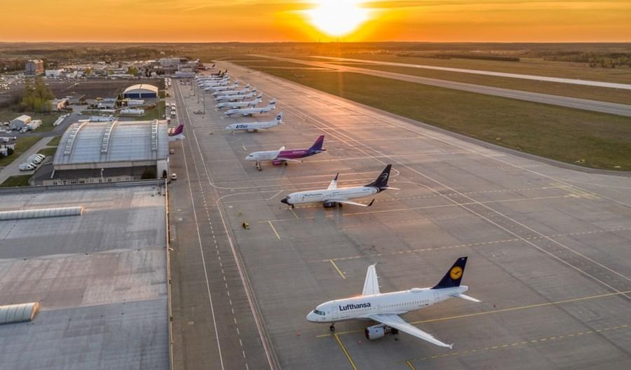 Horała: Zakaz lotów do kolejnych krajów dopiero od 1 września