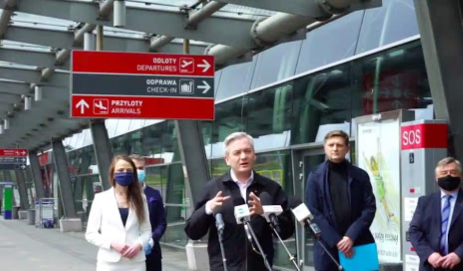 """Biedroń apeluje o wsparcie dla Modlina. """"Budowa CPK powinna zostać wstrzymana"""""""