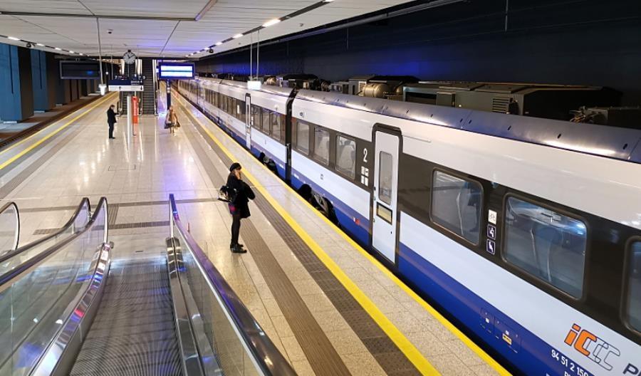 Warszawa: PKP Intercity nie wznowi (na razie) kursów do Lotniska Chopina
