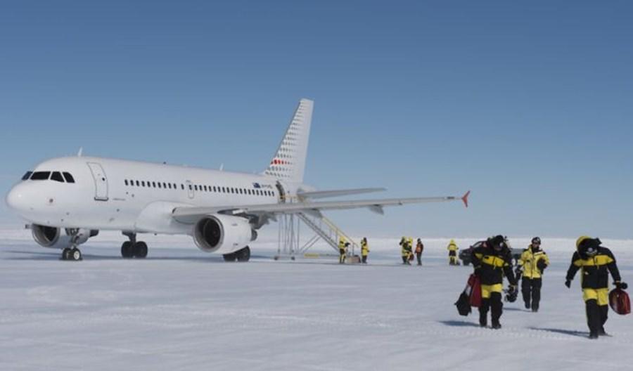 Australia zbuduje pas startowy na Antarktydzie. Lot z Hobart potrwa sześć godzin