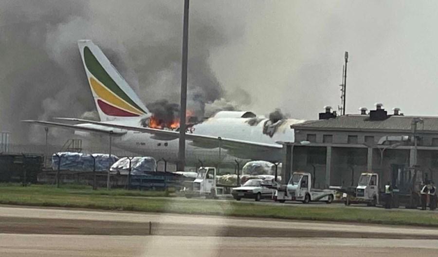 Pożar frachtowca Ethiopian Airlines. Samolot stanął w ogniu