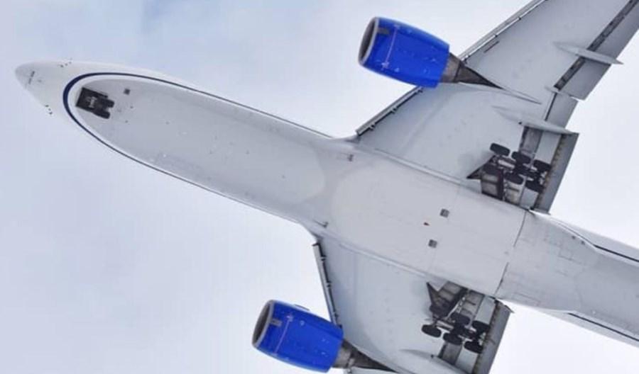 16370 pracowników United Airlines na liście zwolnień