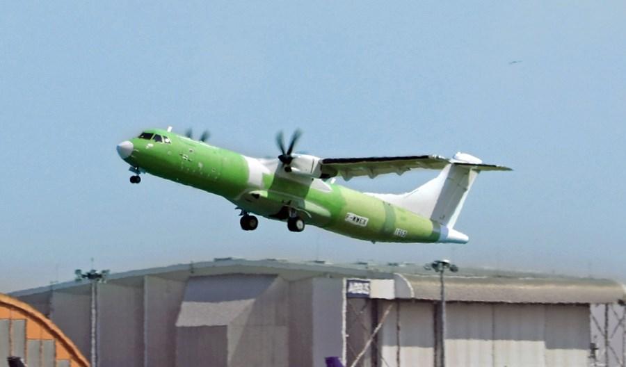 ATR: Regionalny frachtowiec 72-600F odbył swój pierwszy lot