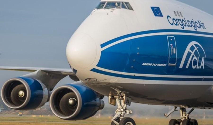 B747 z potężną dostawą sprzętu medycznego wylądował w Katowicach