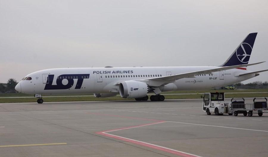 Dreamliner LOT na trasie Nowy Jork (Newark) – Lwów