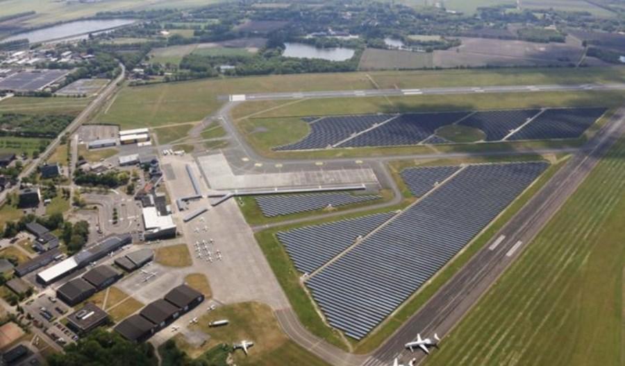 KLM przebazuje na zimę samoloty z Amsterdamu do Groningen