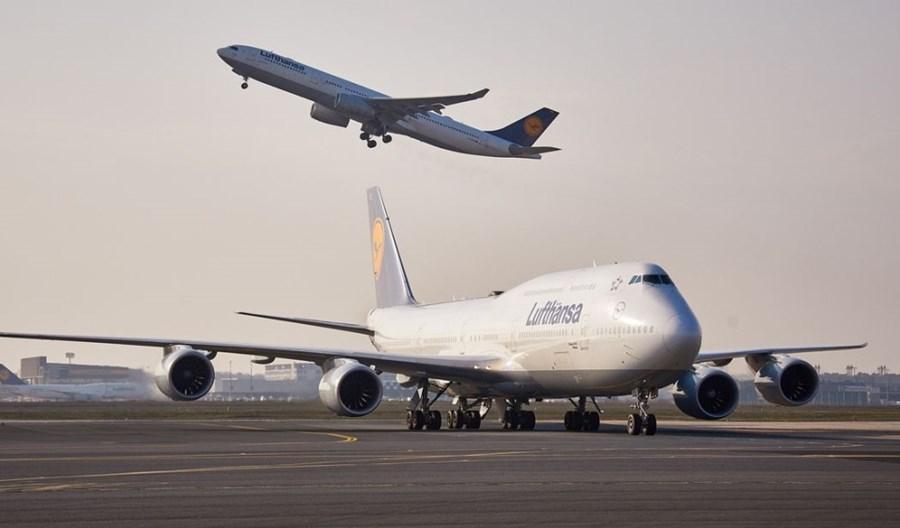 Lufthansa podwoi w lipcu liczbę rejsów pasażerskich B747