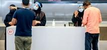 Kraje Zatoki Perskiej zawieszają loty z powodu nowego szczepu COVID-19