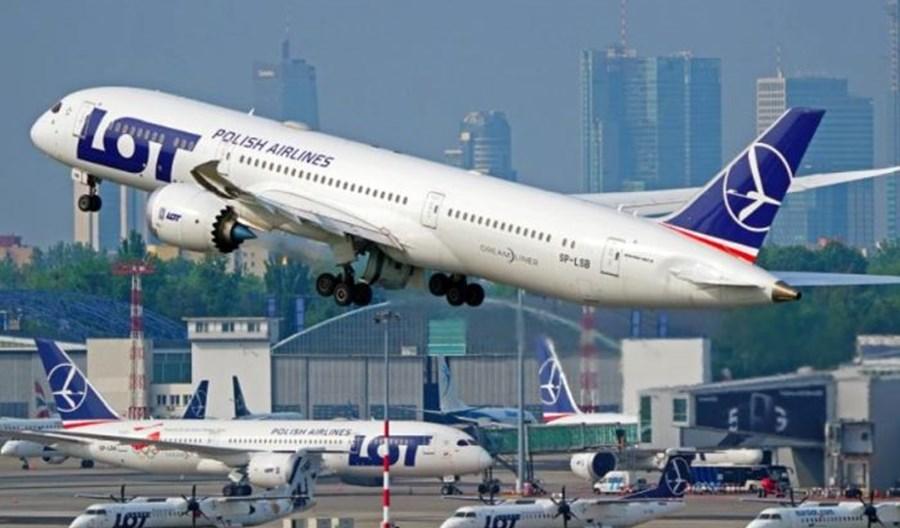 PAŻP: 56,4 proc. mniej operacji w 2020 roku na lotniskach w Polsce