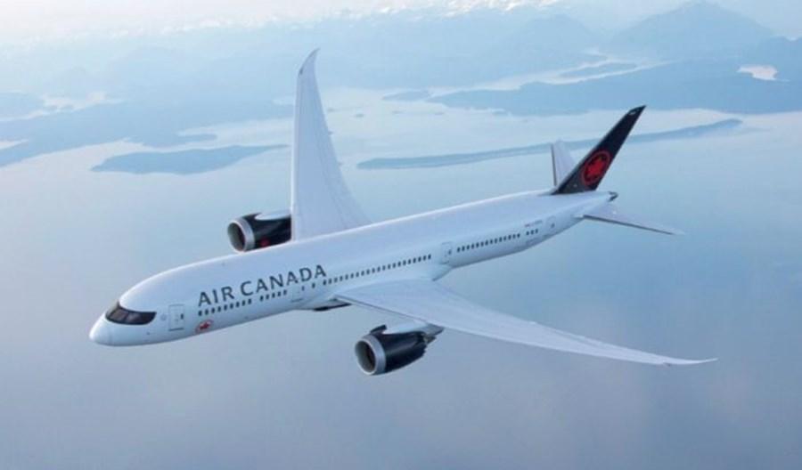 Air Canada zawiesza loty do ośmiu portów i zmniejsza oferowanie o 25 proc.