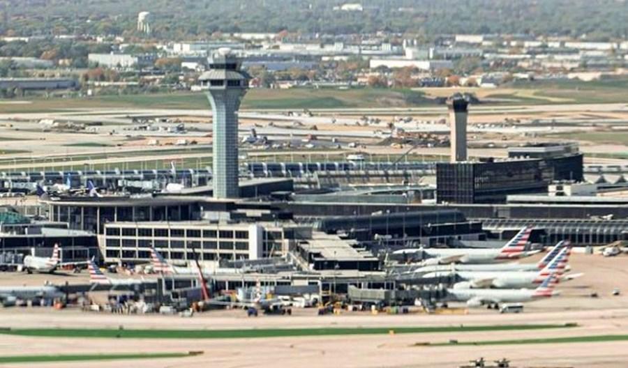 Trzy miesiące mieszkał na lotnisku Chicago O'Hare! Bał się wirusa i nie wrócił do domu