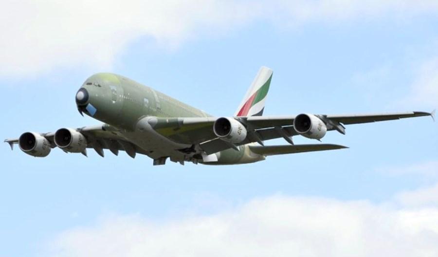 Ostatni A380 dla Emirates opuścił fabrykę w Tuluzie i poleciał do Hamburga