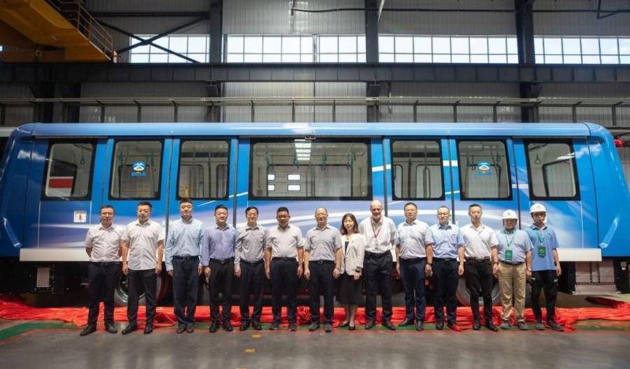 Pierwszy nowy pociąg Alstomu dotarł na lotnisko w Pekinie