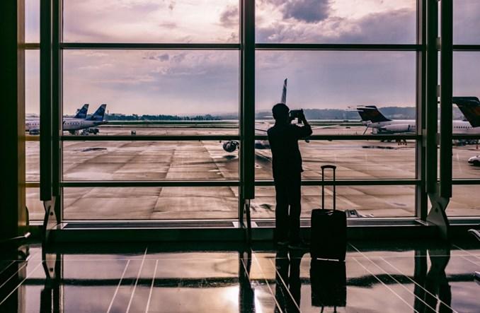 Koronawirus. Rezerwacje linii lotniczych do Europy spadły o 79 proc.