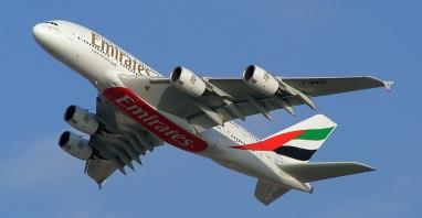 Emirates redukują liczbę stewardess na pokładach A380 i B777