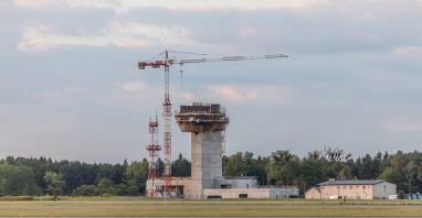W Katowicach powstaje najwyższa wieża kontroli ruchu w kraju (ZDJĘCIA)
