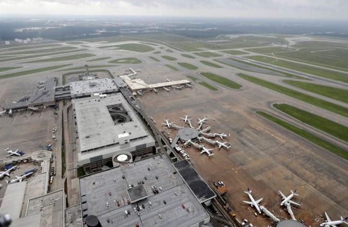 Rosnący poziom mórz i oceanów zagraża 80 lotniskom