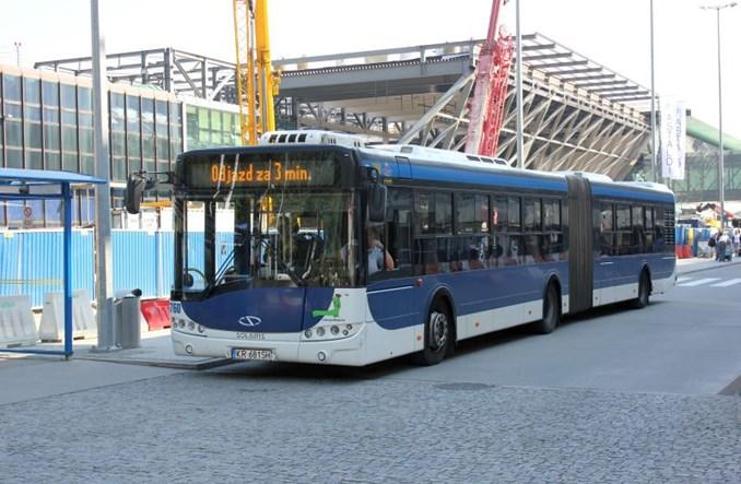 Na krakowskie lotnisko autobusami zamiast części pociągów