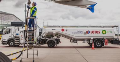 LOTOS-Air BP dostarcza paliwo na lotnisko w Poznaniu