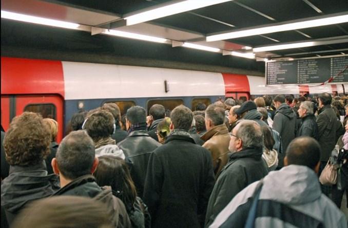 Strajk w paryskiej kolei utrudnił dojazd na lotnisko
