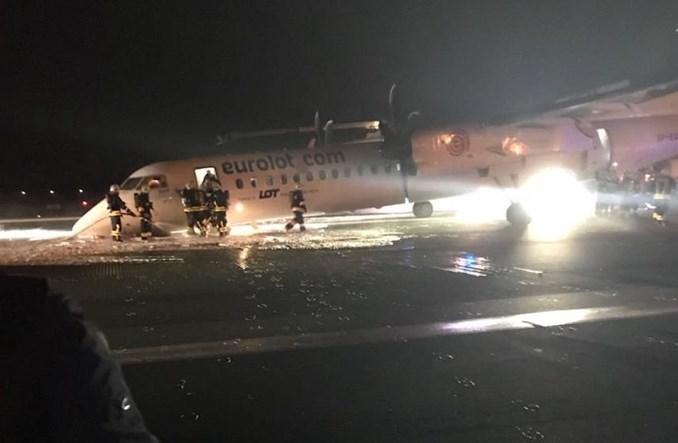 Awaryjne lądowanie na Lotnisku Chopina. Q400 Dash uderzył kadłubem o pas