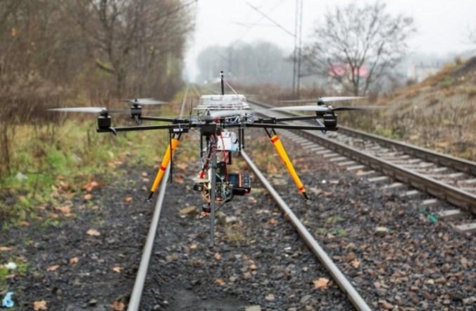 PKP PLK chce monitorować inwestycje kolejowe za pomocą dronów