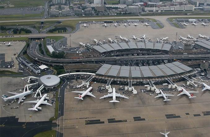 Francja: Nie ma decyzji o sprzedaży udziałów operatora paryskiego lotniska