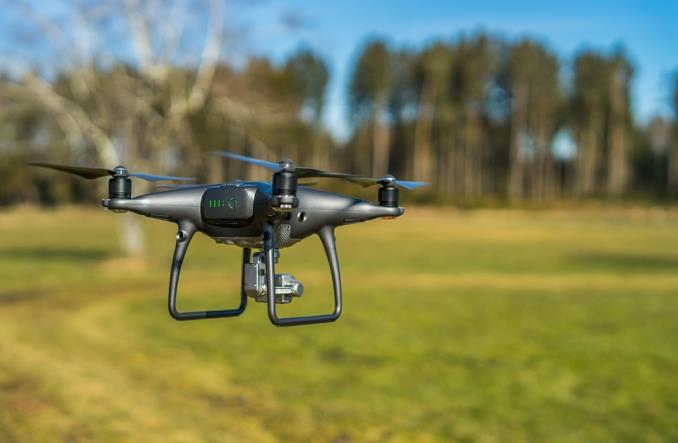 ULC: Rewolucja w lotnictwie nastąpi albo przez drony, albo dzięki nim